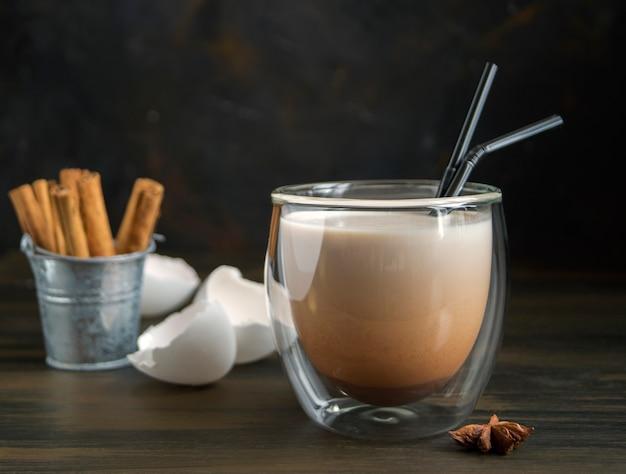 Cocktail de lait de poule bokeh.