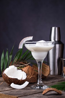 Cocktail margarita à la noix de coco et glace