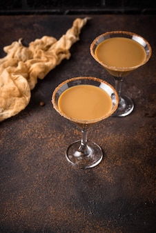 Cocktail martini au chocolat ou liqueur irlandaise