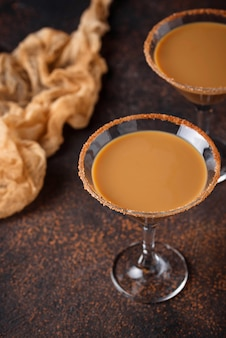 Cocktail martini au chocolat ou liqueur irlandaise