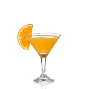 Cocktail orange avec éclaboussures. illustration vectorielle