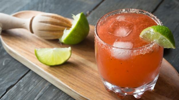 Cocktail rafraîchissement rouge