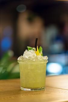 Cocktail sur la table bar, restaurant