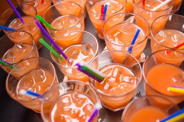 Cocktails alcoolisés à l'orange