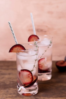 Cocktails aromatiques prêts à être servis
