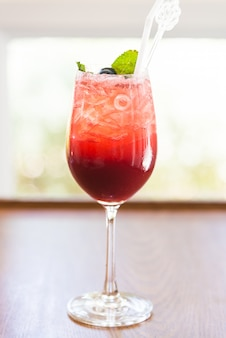 Cocktails aux fruits rouges