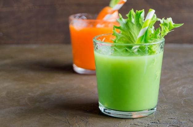 Cocktails diététiques pour perdre du poids. boissons végétariennes.