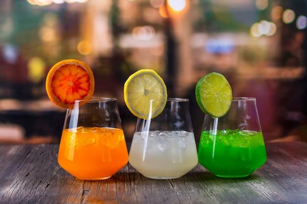 Cocktails d'été tropicaux