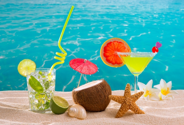 Cocktails de plage tropicale des caraïbes mojito margarita