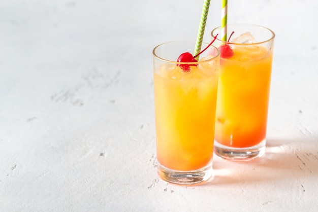 Cocktails tequila sunrise