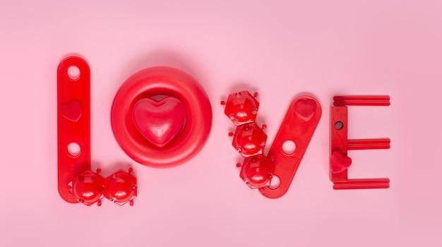 Coeur d'amour d'un jeu de construction de jouets à partir de blocs de construction en plastique