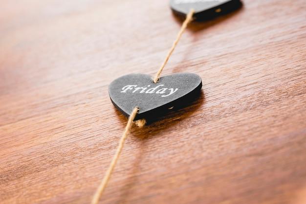 Coeur en bois noir