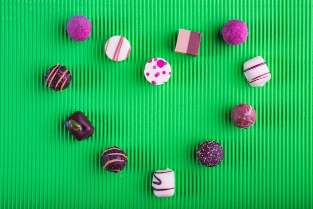 Coeur de bonbons au chocolat