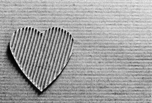 Coeur en carton sur carton avec espace copie