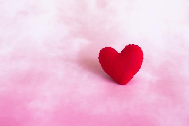 Coeur en coton rouge