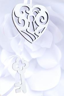 Coeur décoratif et clé
