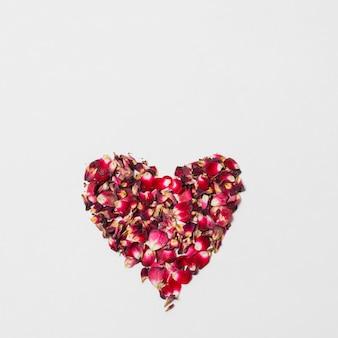 Cœur décoratif rouge de fleurs