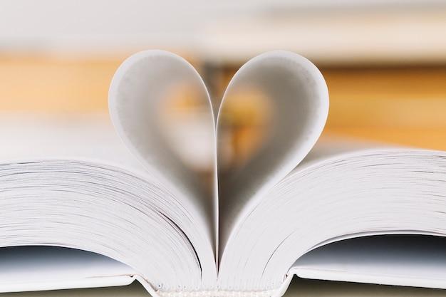 Coeur de pages de livre