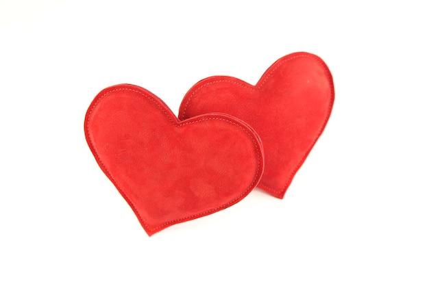 Coeur rouge sur blanc