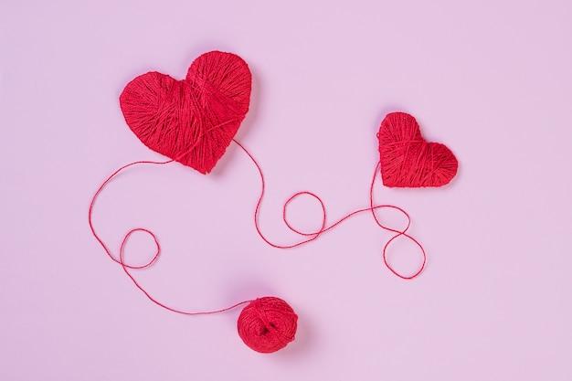 Coeur rouge comme un symbole d'amour. concept de la saint-valentin