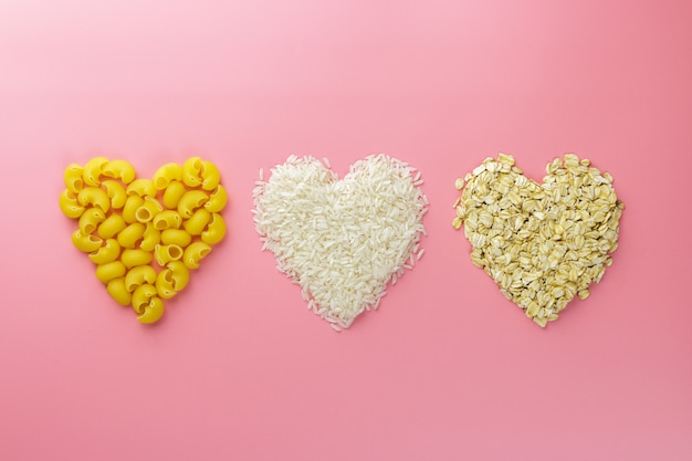 Cœurs de céréales en forme de pâtes, de riz et d'avoine