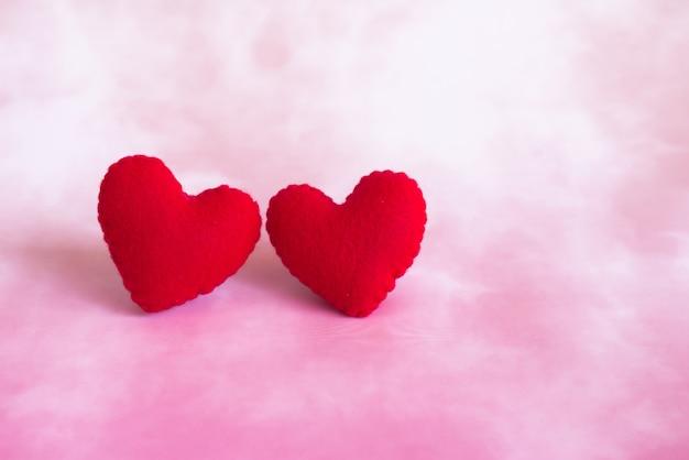 Coeurs en coton rouge