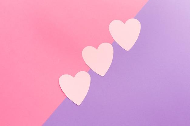 Coeurs de papier coloré saint valentin
