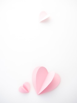 Coeurs de papier rose amour créatif