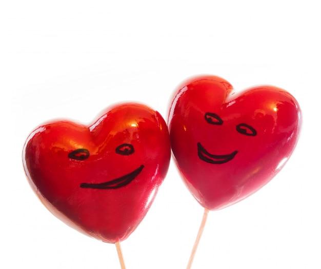 Coeurs avec des visages