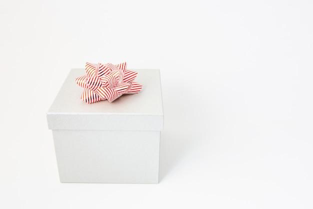 Coffret blanc pour anniversaire, saint valentin, noël, nouvel an et mariage