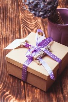 Coffret cadeau artisanal lavande avec ruban à pois
