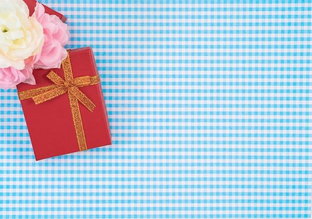 Coffret cadeau avec isolé sur
