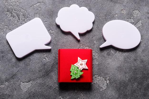 Coffret cadeau de noël avec bulle de dialogue