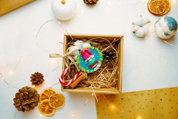 Coffret cadeau de noël avec souvenir en pâte polymère composition mignonne pour la conception de cartes de voeux ...