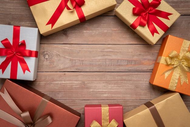 Coffret cadeau pour la décoration, nouvel an et fond de jour de noël avec fond