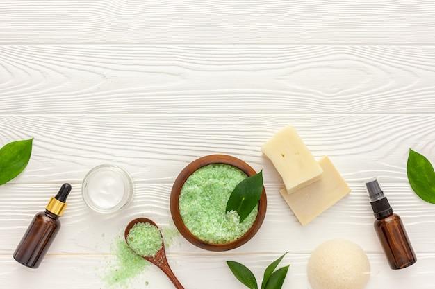 Coffret cosmétique bio à base de plantes pour spa fait maison
