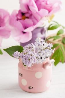 Coffret kraft, pivoines et fleurs lilas