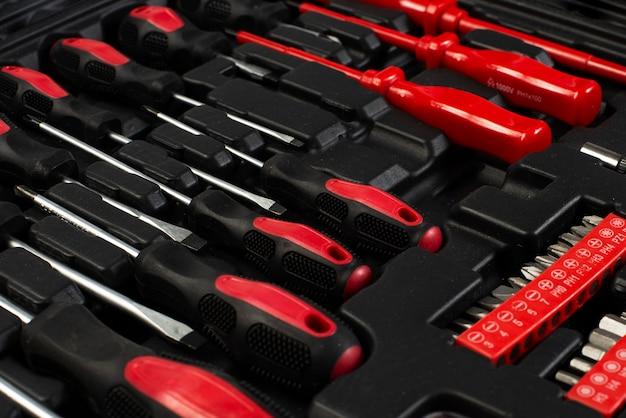 Coffret avec le nouveau kit d'outils
