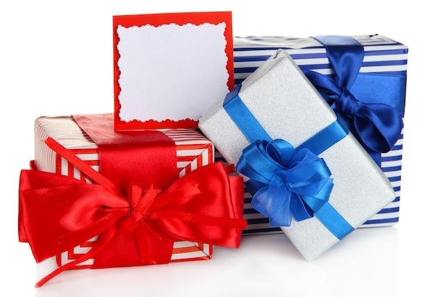 Coffrets cadeaux avec étiquette vierge isolated on white