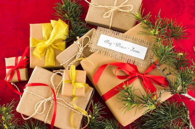 Coffrets cadeaux avec inscription joy peace love