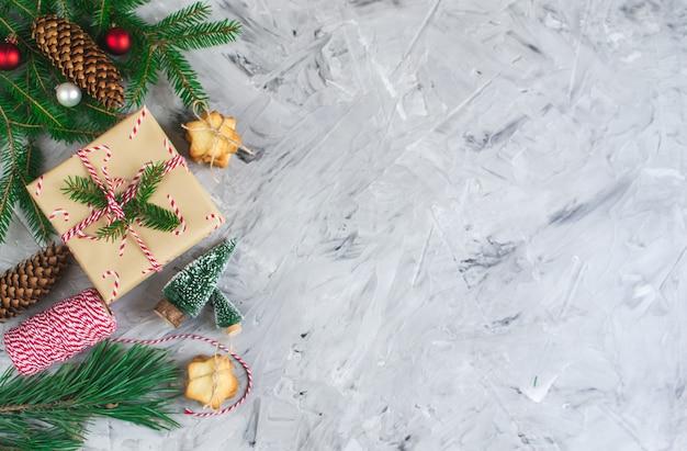 Coffrets cadeaux de noël décoration décor naturel fête de nouvel an vintage cônes de pin noix
