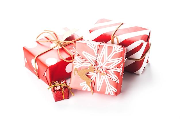 Coffrets-cadeaux de noël isolés