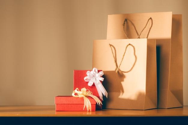 Coffrets cadeaux avec sac papier