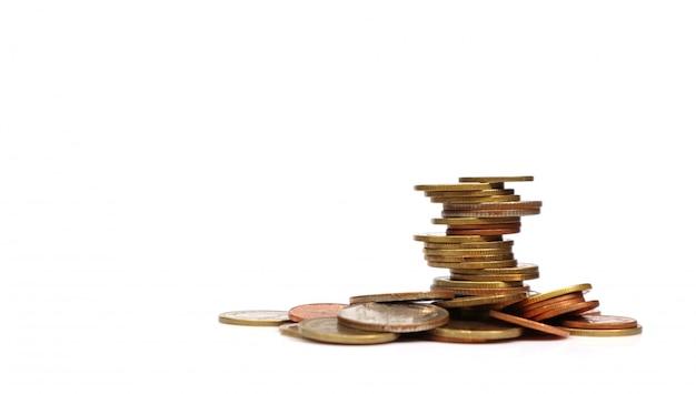 Coins empilés les uns sur les autres dans des positions différentes