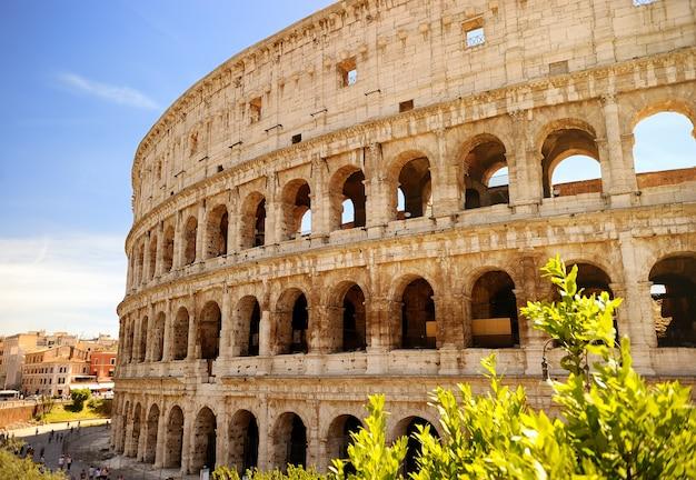 Colisée (coliseum) à rome, en italie.