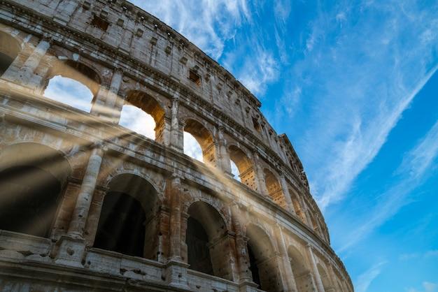Colisée de rome vue rapprochée à rome, italie