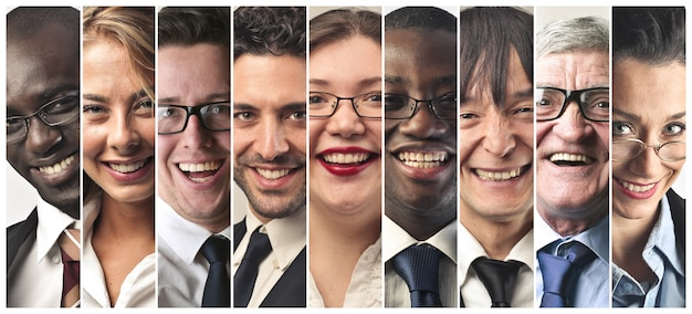 Collage de personnes souriantes