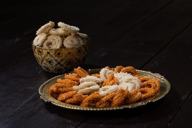 La collation chakali ou murukku est faite sur la nourriture indienne diwali, holi festival