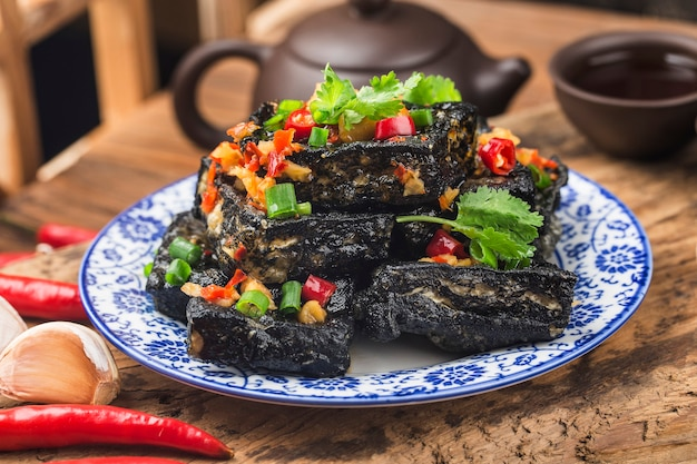 Une collation chinoise: le tofu puant