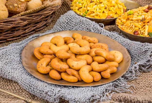 Collations aux noix de cajou grillées à la saveur salée